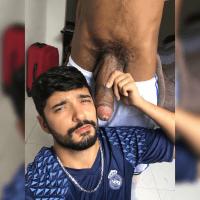 Gay chupando o negão novinho dotado