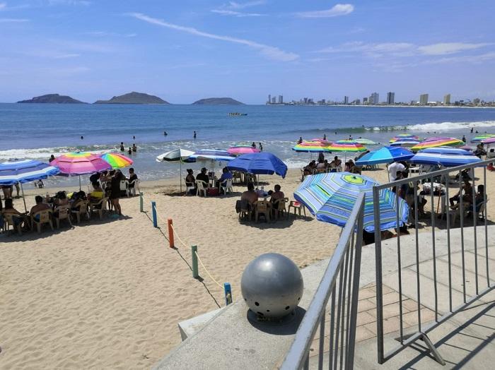 Restringen acceso a playas de Mazatlán