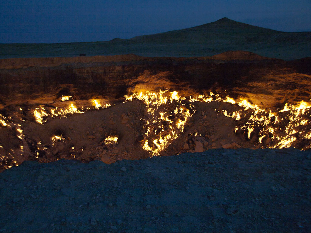 Derweze Gas Crater Quot The Gateway To Hell Quot Sonya And Travis