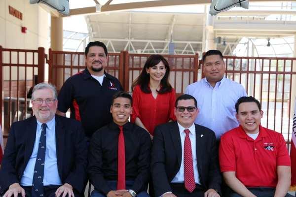 Manny Fernandez, Sonya Christian, Romeo Agbalog, Tom Burke, Freddie, Rudy Salas, Abel Guzman