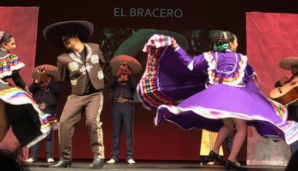 Ballet Folklorico Dancers