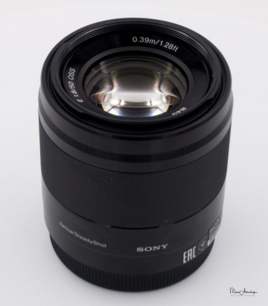 Sony E 50mm F1.8 OSS-1