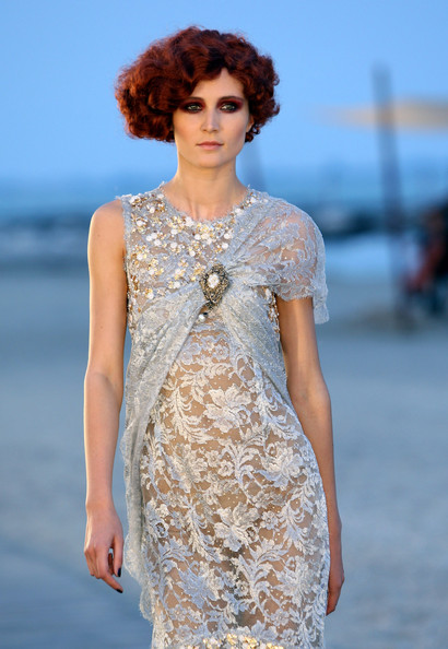 Chanel+Cruise+2010+Fashion+Show+-7vbzHhstsul