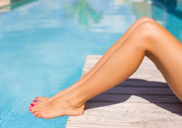 smooth-legs-by-swimming-pool