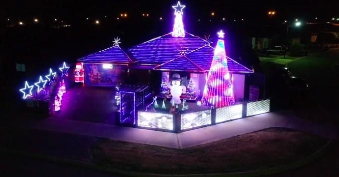 Greatest Showman Christmas Lights Display