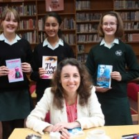 author-sophia-bennett-visits-the-abbey-as-patron-of-reading-3