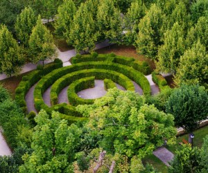 Green labyrinth in Luxembourg City. PD image from Lode Van de Velde, PDpictures.net.