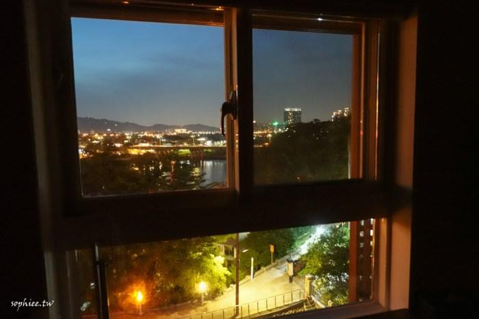 新店碧潭》新加州景觀旅館 新店捷運站步行一分鐘 房間直接眺望碧潭湖景