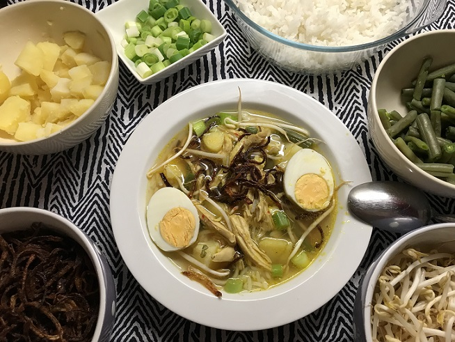 Soto ajam, Indonesische kippensoep