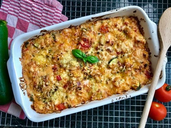 Gnocchi ovenschotel met tomaat, kaas en spekjes