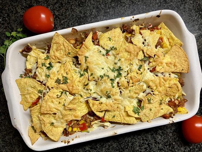 Nacho's met gehakt, tomaat en kaas