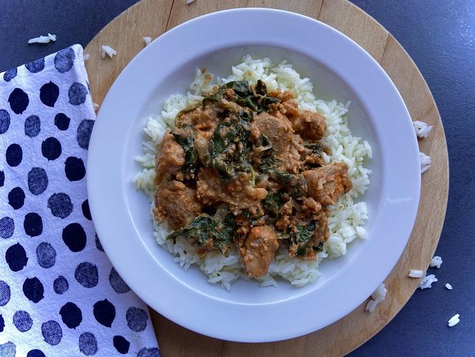 Thaise kipcurry met bloemkool en spinazie