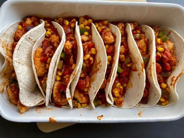 Taco's met kip, paprika en mais