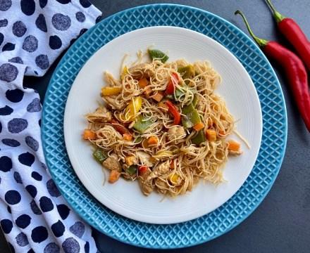 mihoen rode curry met kip en groente