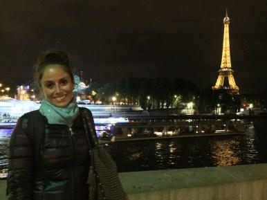 Parigi, Sophie sotto la Tour Eiffel