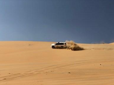 Abu Dhabi, dune bashing nel deserto di Liwa