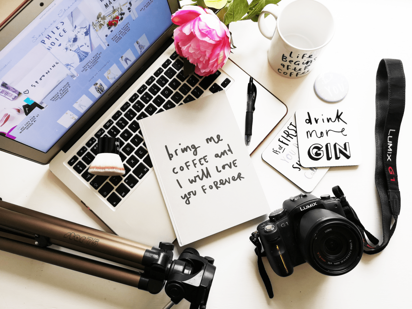 my blogging essentials
