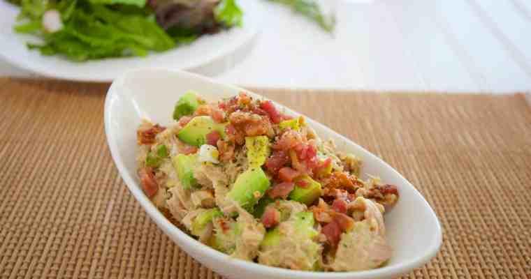 酪梨鮪魚沙拉 Avocado Tuna Salad – 沒有廚房也可以做的簡易生酮午餐