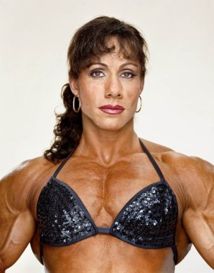 MartinSchoeller-FemaleBodybuilders-03-580x738