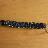 DIY: How to make a keychain and a parachute bracelet with buckle