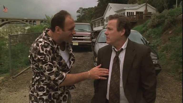 Vin Makazian talking to Tony Soprano