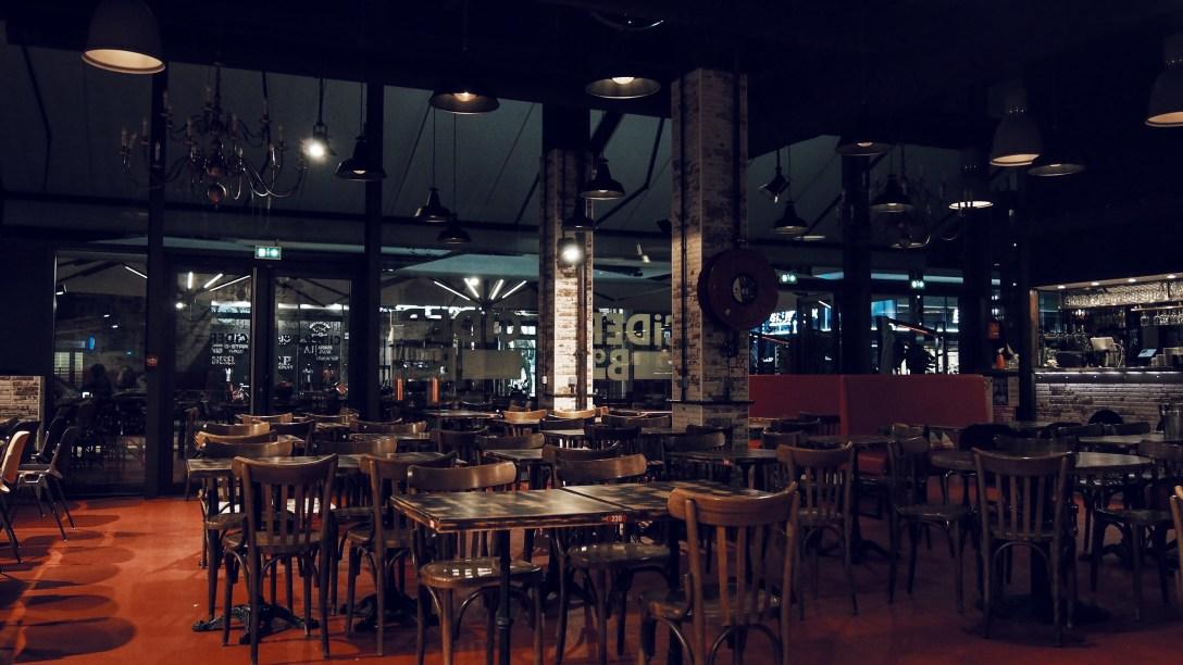 crêpes-du-monde-avenue-83-restaurant