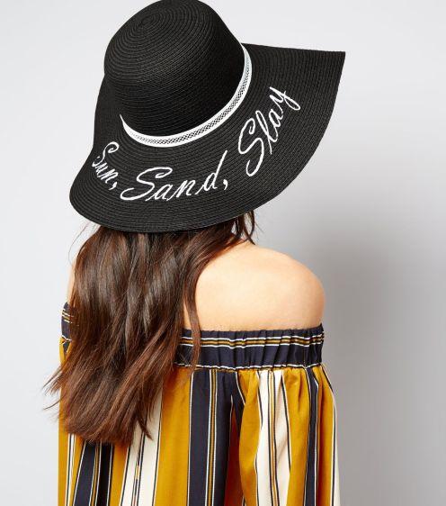 chapeau-noir-à-inscription-sun,-sand-and-slay