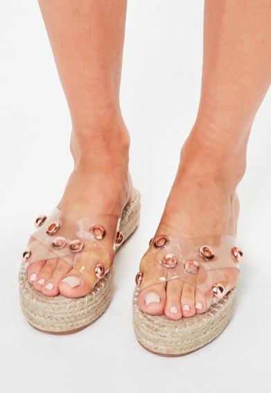 sandales-en-plastique-transparent-clout-plateformes-plates