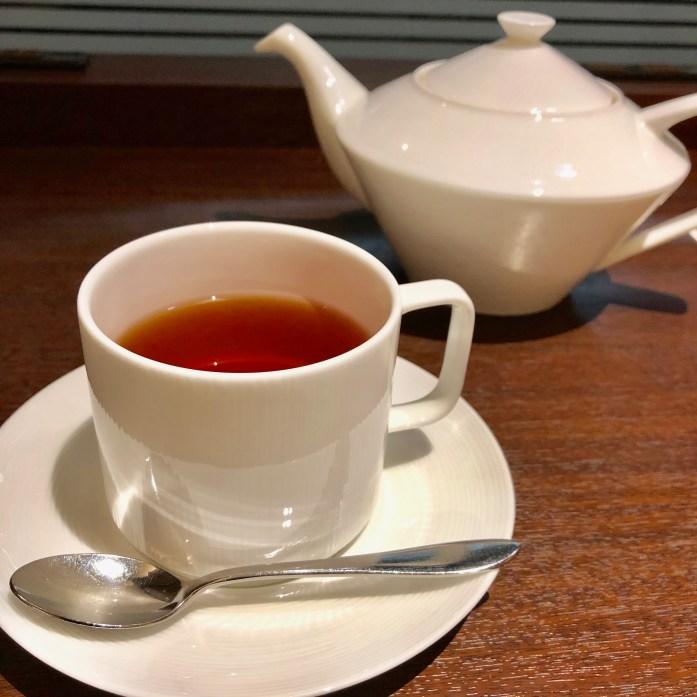 品川プリンスホテル カフェラウンジ マウナケア ポットサービスされる紅茶