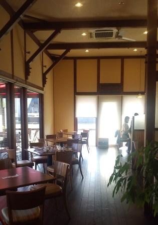 『ルゥ・カフェ』店内