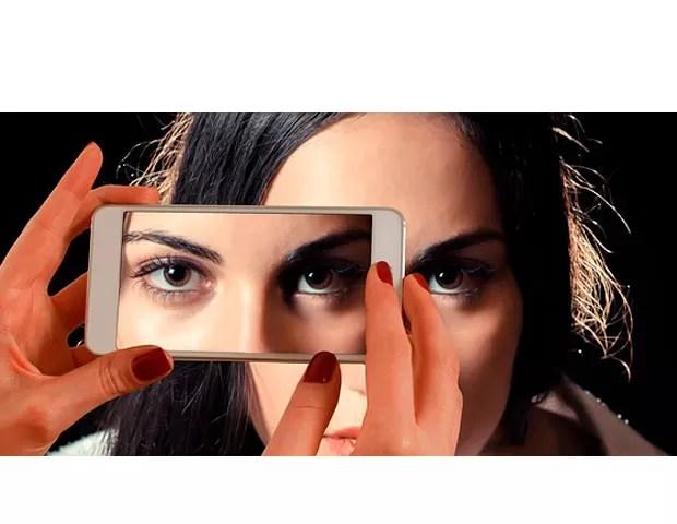 Carencia afetiva e necessidade de autoafirmação nas redes sociais