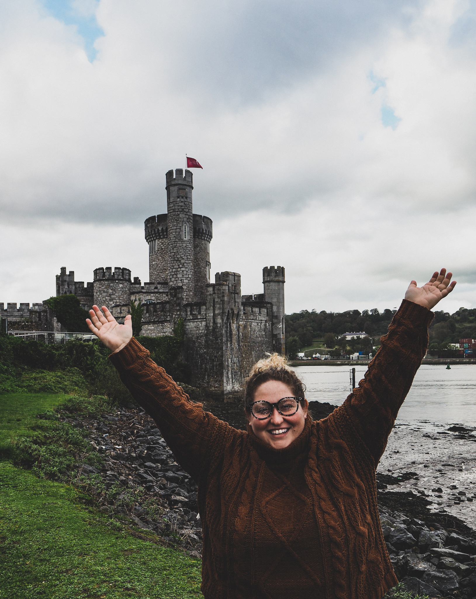 Picture of Sorcha in front of Blackrock Castle