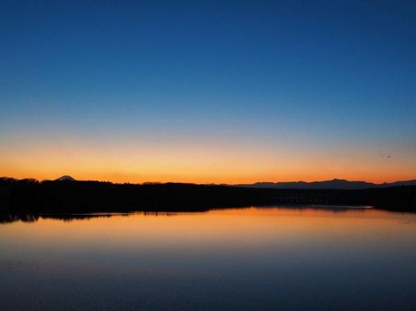 多摩湖の夕日