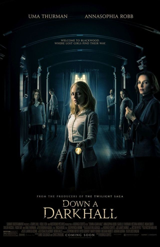 Dawn a Dark Hall - Sötét folyosók film - AnnaSophia Robb & Uma Thurman