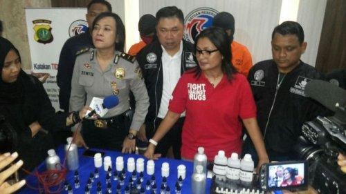 Kompol Vivick Tjangkung Kasatnarkoba Polres Jakarta Selatan Gelar Konferensi Pers
