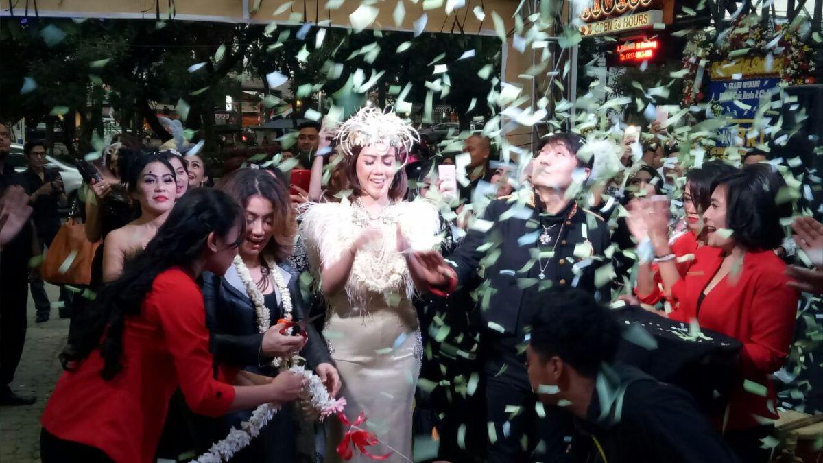 Grand Opening DDJ Dragon Cafe Resto and Club Bandung Dihadiri Reza Artamevia dan Adjie Notonegoro
