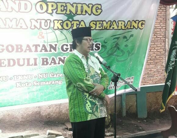 H Anashom, Ketua PCNU Kota Semarang saat grand opening Klinik Pratama NU