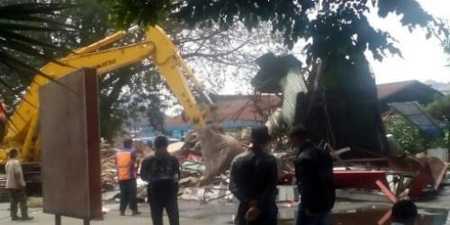 SPBU Kebon Kawung Bandung yang di bongkar paksa oleh PT KAI