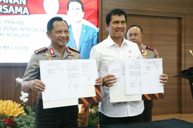 Penandatanganan kesepakatan bersama antara Kapolri dan Menpan RB