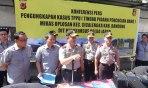 Kapolda Jabar Gelar Konferensi Pers Pengungkapan Kasus Tindak Pencucian Uang Miras Oplosan Cicalengka