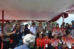 Kapolda Jabar Irjen Pol Agung Budi Maryoto memberikan semangat kepada atlet Indonesia di ajang Paralayang Asian Games 2018 yang digelar di Kabupaten Cianjur
