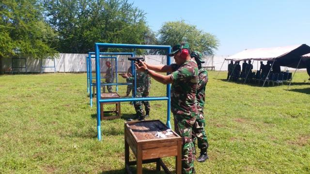 asah kemampuan menembak prajurit Mako Lantamal VII Kupang