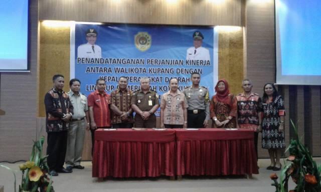 Penandatanganan SAKIP Pemkot Kupang
