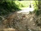 Kondisi jalan Benteng Jawa-Wae Naong yang rusak parah