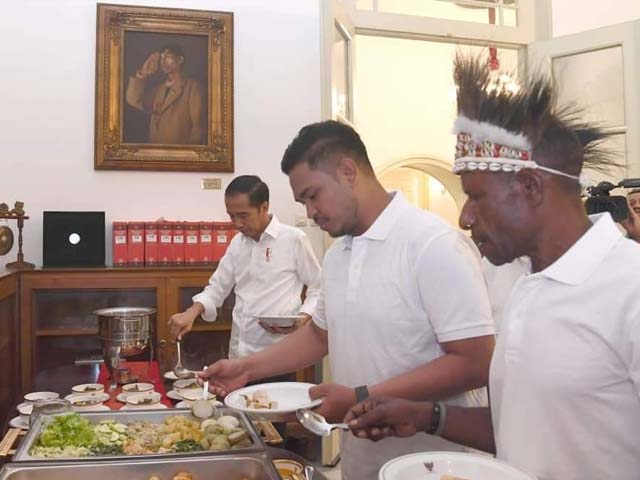 jokowi-makan-siang-bersama-pemenang-festival-gapura-asal-papua