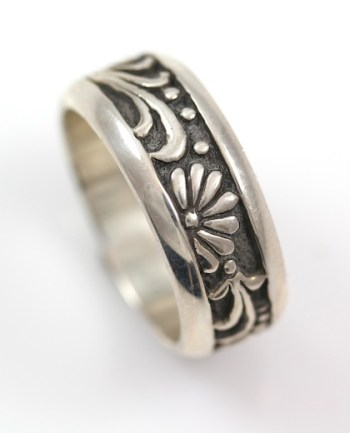 Carved Silver Ring_TRACEY