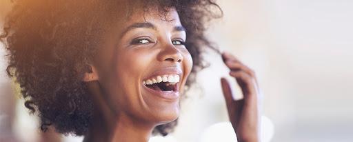 Como ter um sorriso perfeito? Veja 7 dicas incríveis para arrasar!