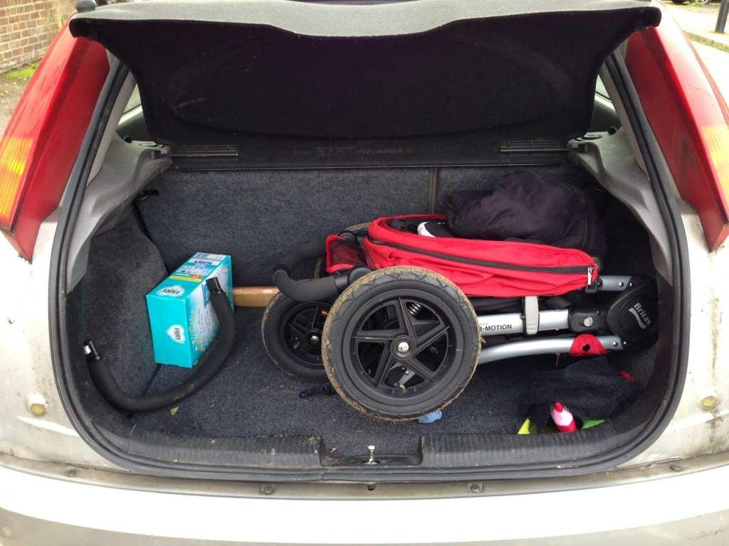 britax b-motion 3 in car boot