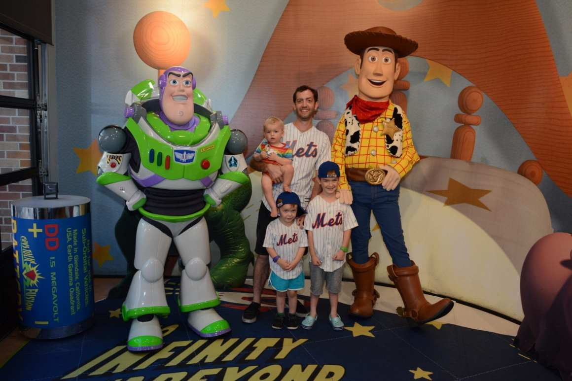 woody and buzz character meet disney world