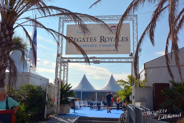 Réates Rpyales 3 025